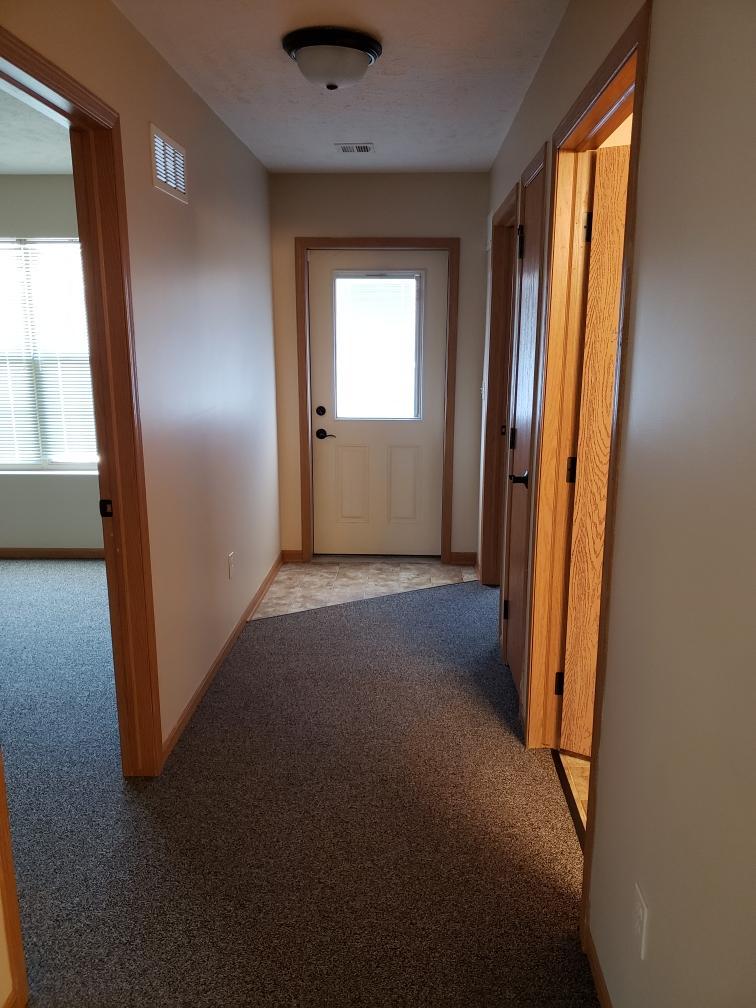 cypress-pointe-i-hallway