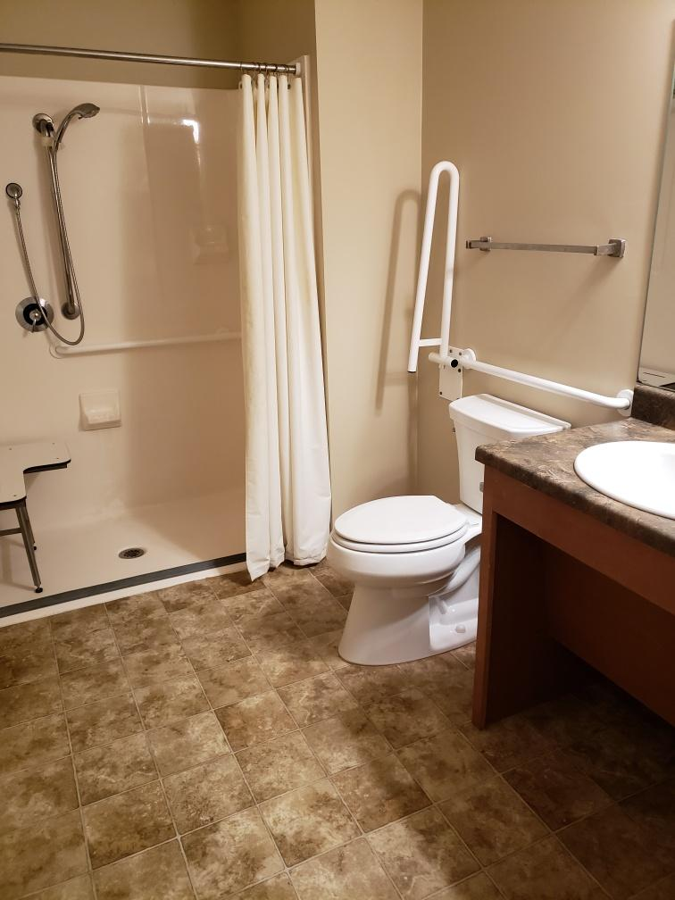 cypress-pointe-i-handicap-bathroom-2