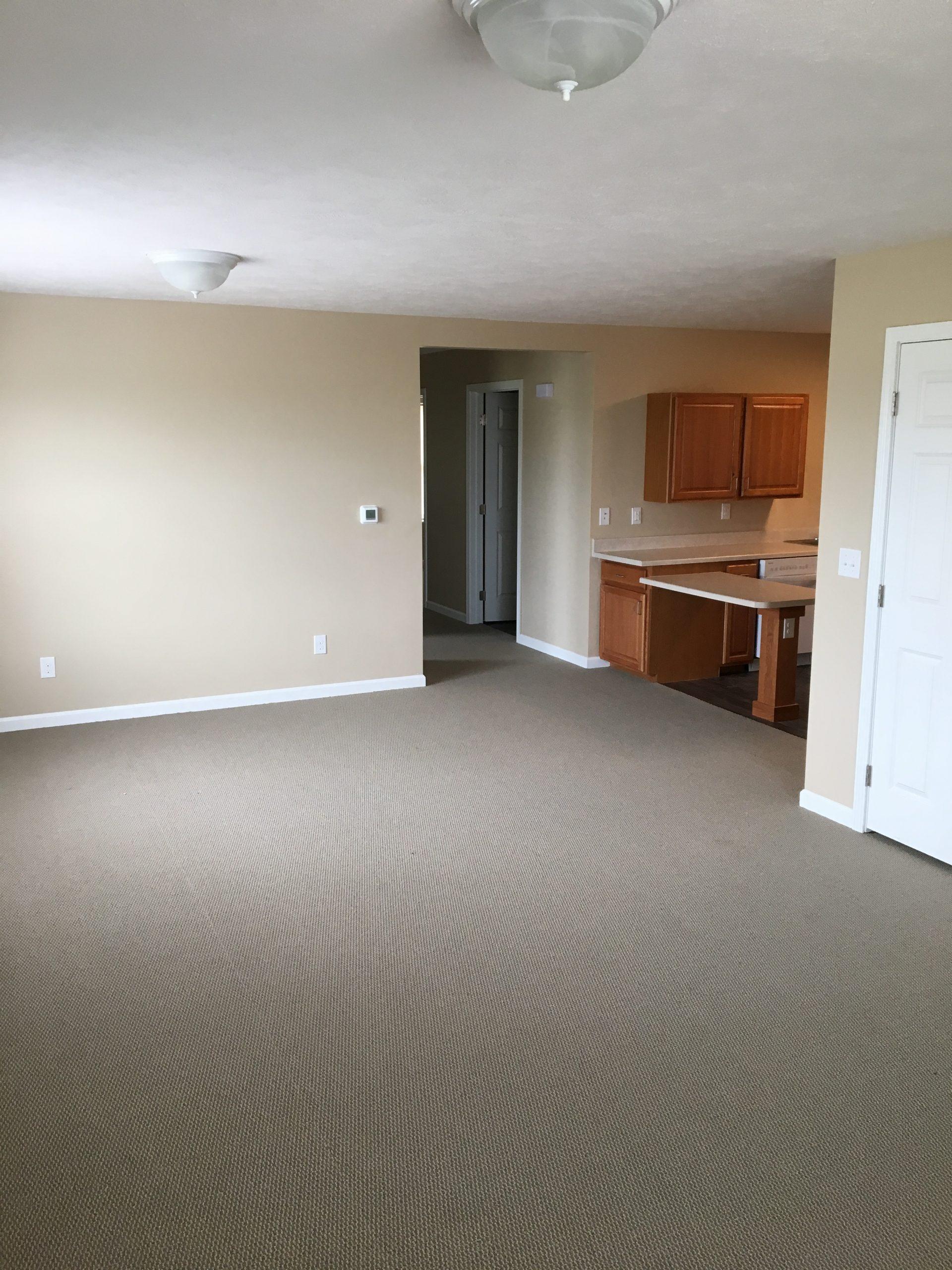 jefferson-estates-handicap-living-and-dining-room